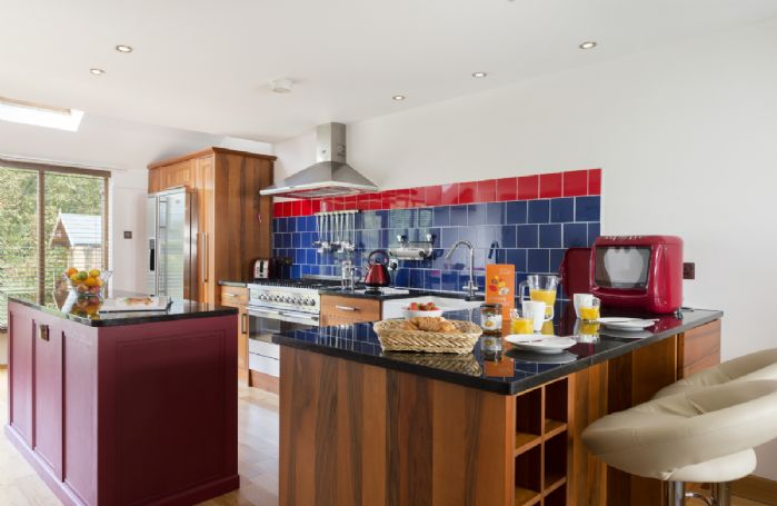 Ground Floor: Fully equipped kitchen