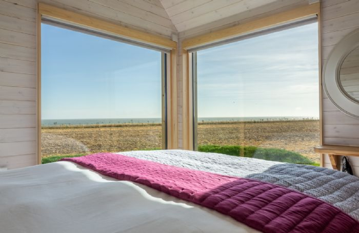 King size bed, sea views with luxury en suite facilities