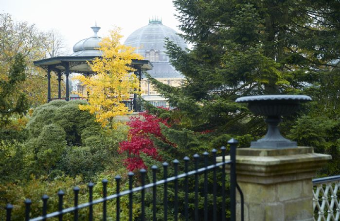 Beautiful walks to enjoy in The Pavilion Gardens
