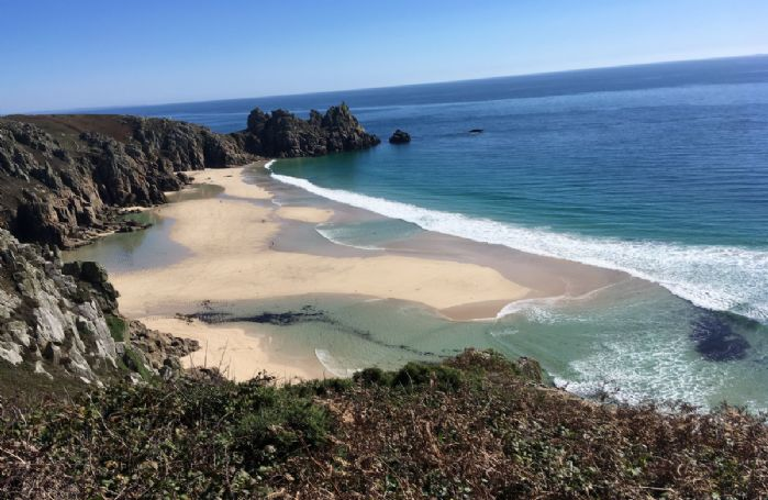 Beautiful beaches in Cornwall to explore and enjoy!