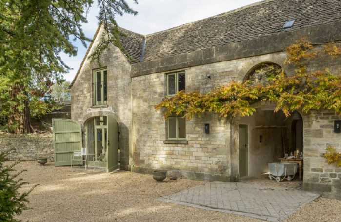 The Coach House is a listed Cotswold stone building, part of a stables that has been fully refurbished