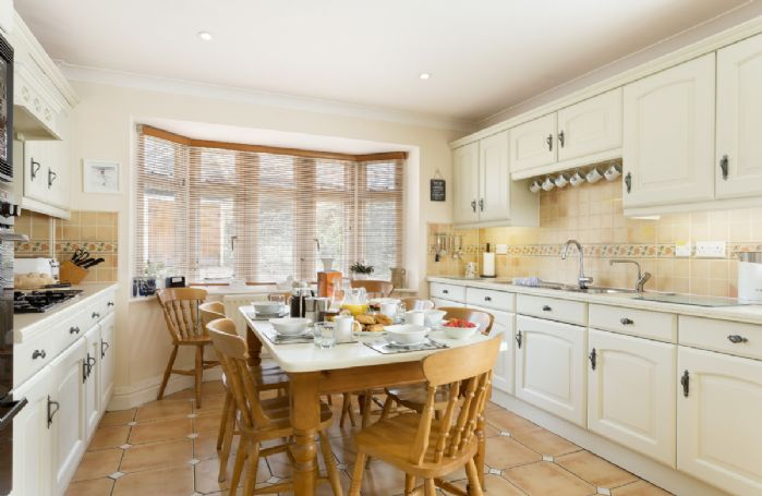 Ground floor: Enjoy a leisurely breakfast in the well equipped kitchen