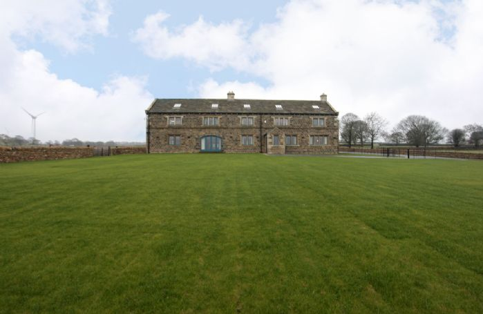 Large grounds and countryside surround Spicer Manor in this peaceful location