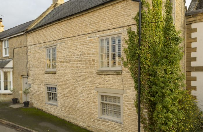 Diplock Cottage is a period cottage in the heart of Chadlington village