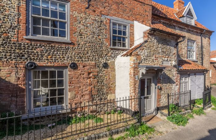 St Michael's Cottage is set on a quiet no through road in the heart of Wells-next-the-Sea