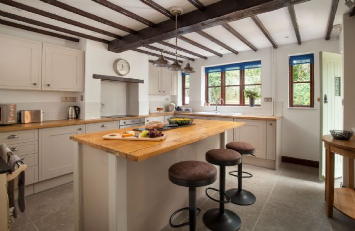 Ground floor: Spacious fully equipped kitchen