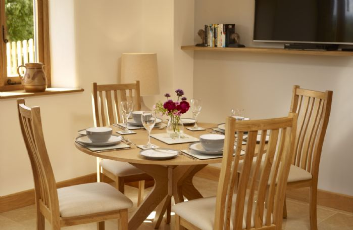 Lower Ground floor: Stylish dining area for four guests