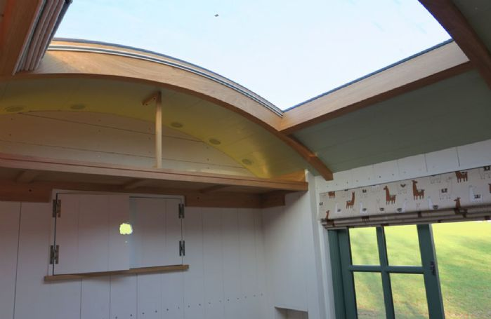 A unique glass panel roof perfect for stargazing in the evening