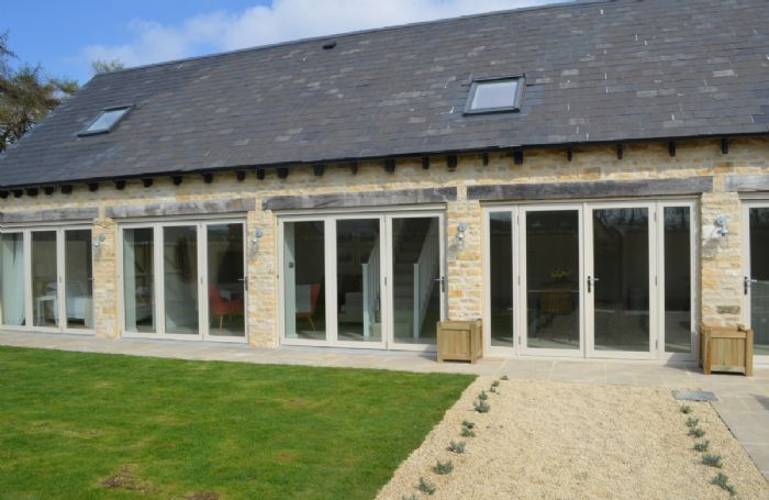 Stone Barn, a contemporary twist on a traditional Cotswold theme