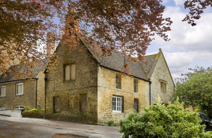 Church Cottage is a period Cotswold cottage built around 1650
