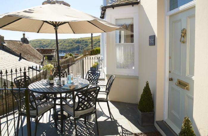Place View is a truly stunning and luxurious Cornish property just minutes away from the delightful town of Fowey