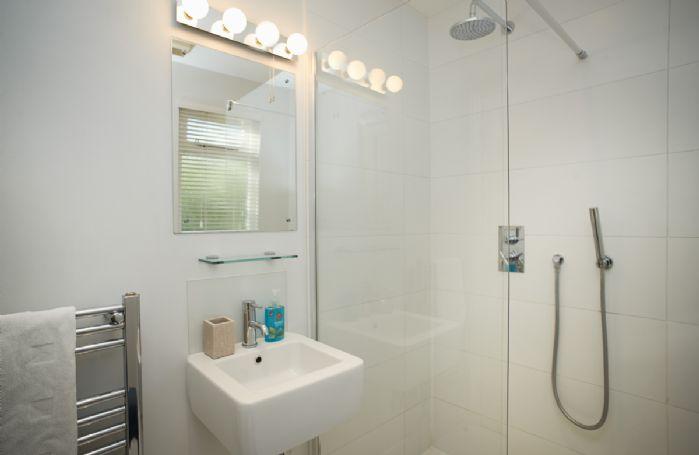 Ground floor: En-suite wet room to twin bedroom