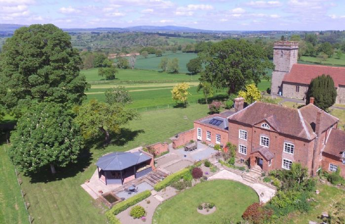 Aerial view of the stunning Broad Meadows Farmhouse