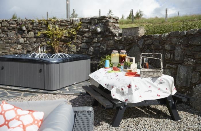 Picnic table for enjoying meals al fresco!