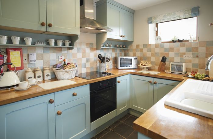 Ground floor: Fully equipped country-style kitchen