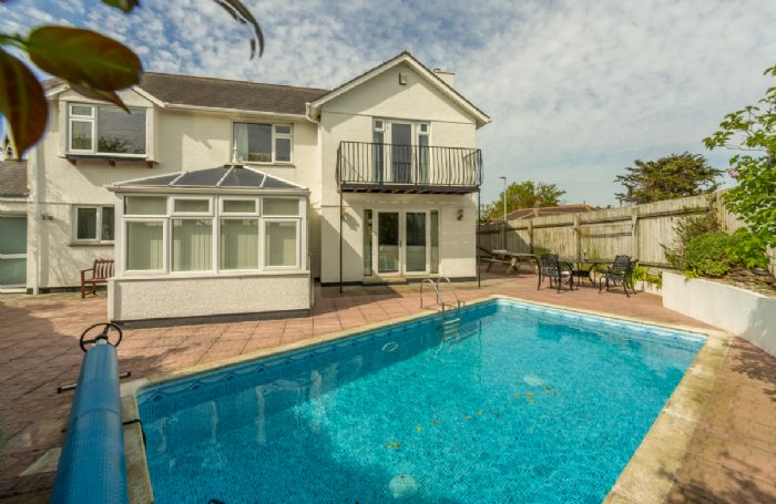 Burlorne is the perfect holiday home with the added advantage of an outdoor heated swimming pool
