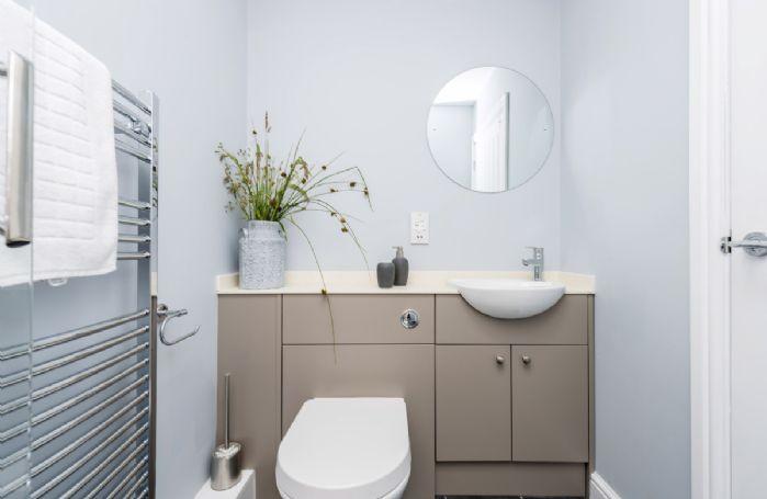 Drackenorth Lodge: First floor en-suite shower room