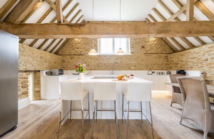 First floor: Modern kitchen
