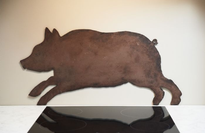 Pig splash back in the kitchen