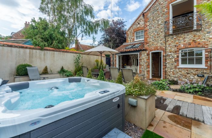 The perfect place to unwind in the enclosed garden/courtyard