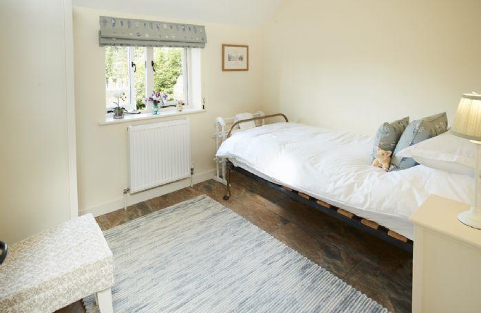 Ground floor: Single bedroom with 3' bed