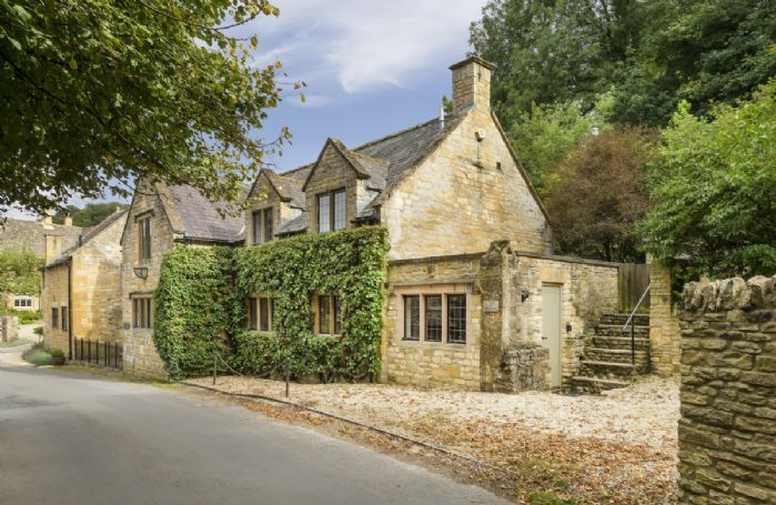 Oat House is set in the village of Snowshill known for its exceptional unspoilt beauty and beautiful views