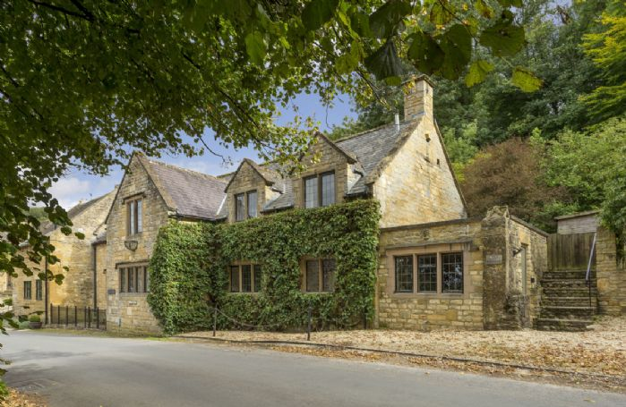 Oat House is a traditional Cotswold stone property in a quaint village location