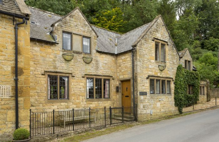 Oat House was built in traditional style using mellow honey coloured Cotswold stone