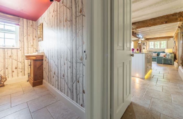 Ground floor: Cloakroom