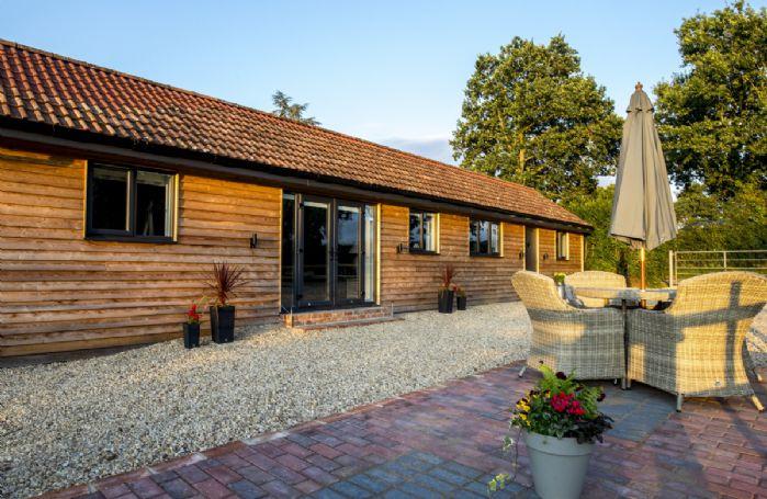 Take a virtual tour of Oak Tree Barn