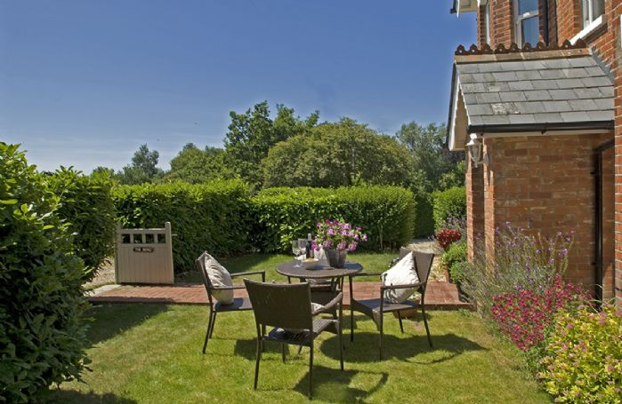 Situated in the quiet hamlet of Neacroft on the edge of The New Forest national park