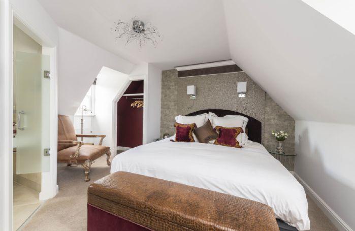 First floor: Bedroom with en-suite shower room