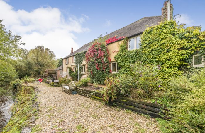 This is an attractive former cottage and water mill which has been carefully refurbished