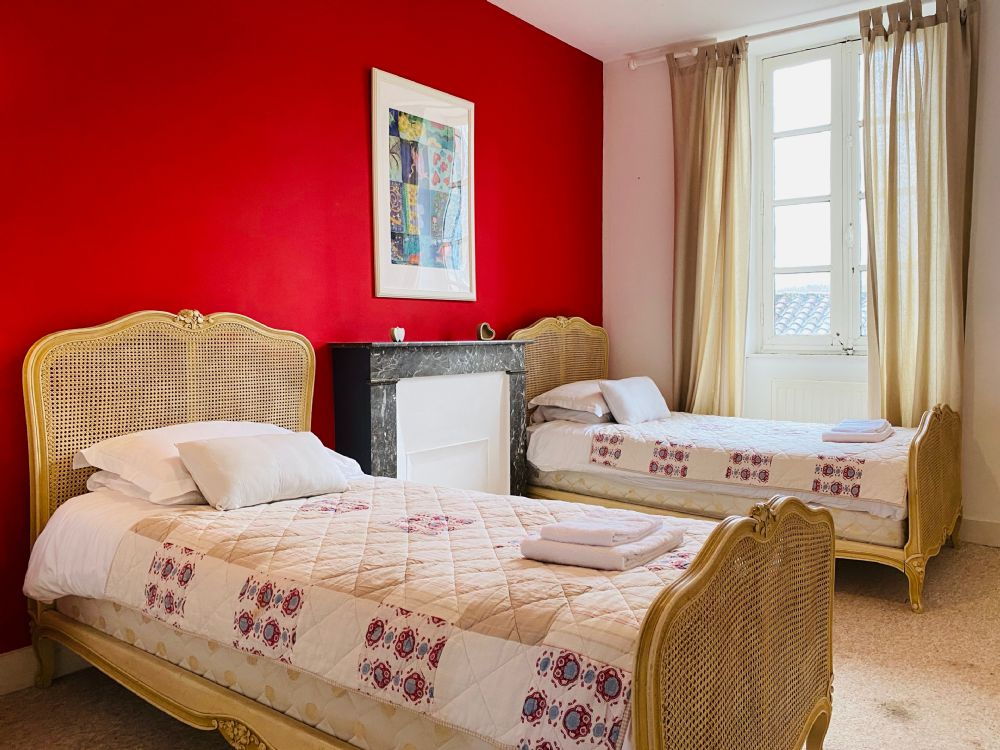 L'Appartment, twin bedroom