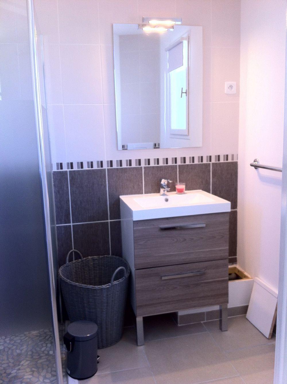 2nd shower room..