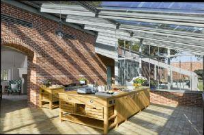 The Walled Garden - Ground floor: Kitchen flooded with light!