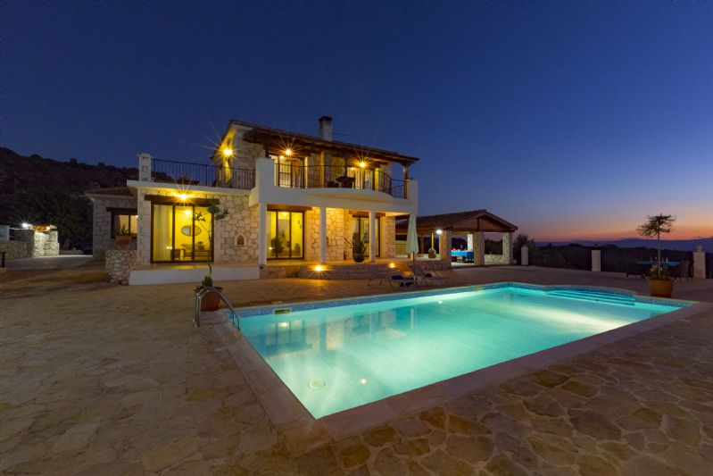 Villa Peristerona Hills