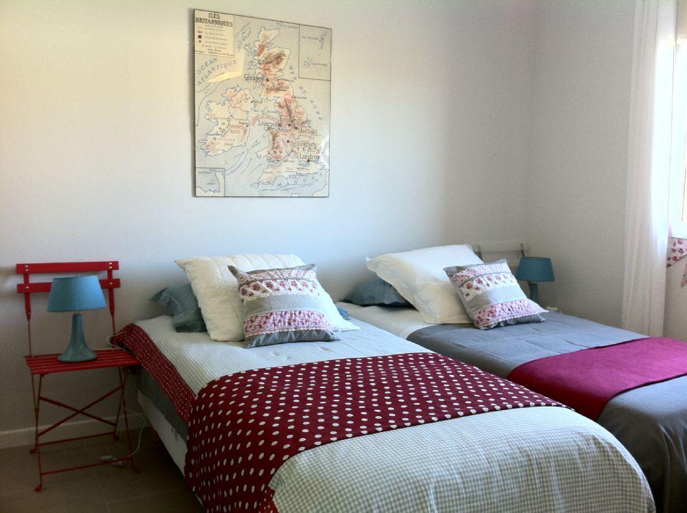 The twin bedroom..