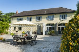 The Coach House is a spacious property for 8 guests set in the grounds of Heathfield House