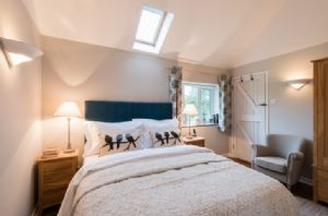 First floor: Bedroom with 5' double bed