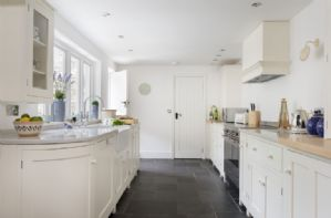 Ground Floor: Stunning well equipped kitchen