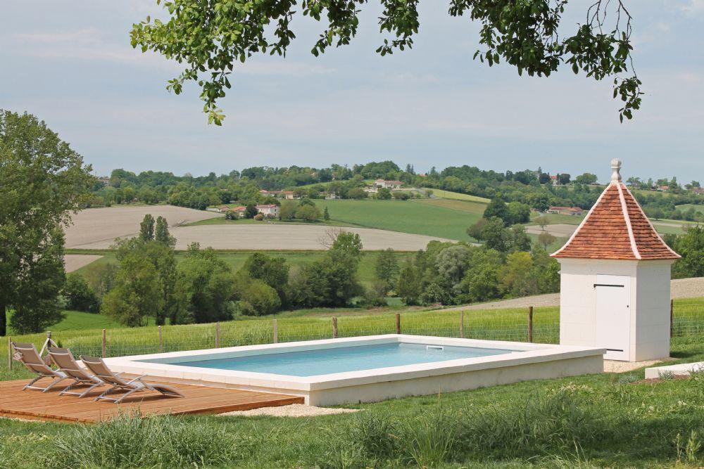 Le Prunier private pool..
