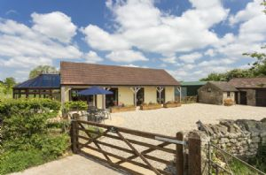 The Yard is a perfect base for exploring all the riches that Somerset has to offer including Wells, Cheddar, Wookey Hole and the Mendip Hills AONB