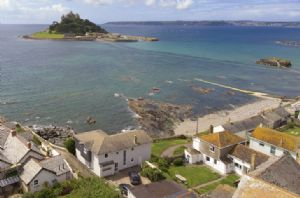 Captain's House looks out over St Michael's Mount and Marazion seafront spanning over Mount's Bay