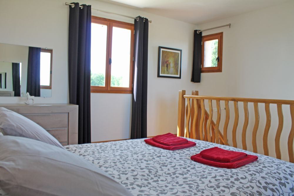 Upstairs double bedroom..