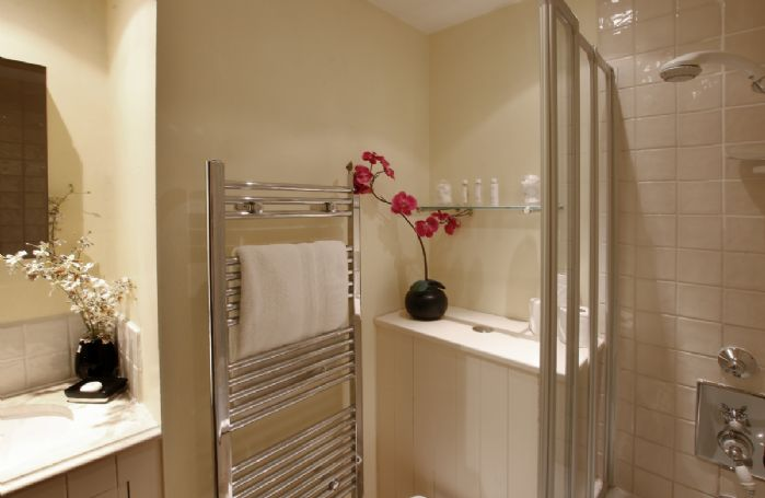 First floor: En suite shower room