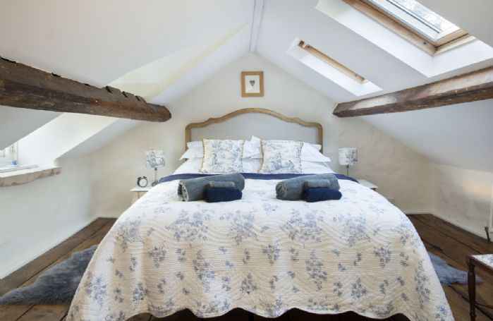 Second floor: Double bedroom with 5' bed