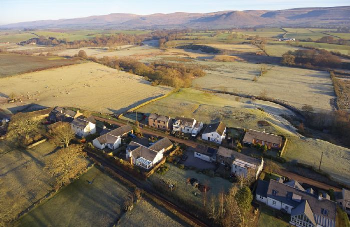 Glen Bank is a beautiful Cumbrian longhouse nestling in the charming village of Brampton in the Eden Valley