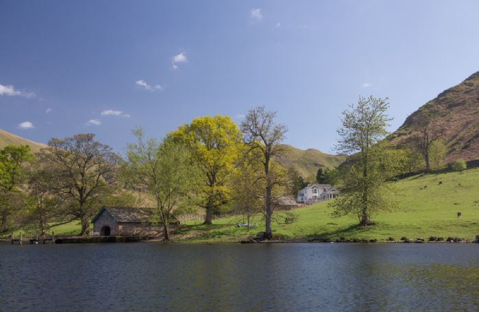 Waternook sits in the Ullswater Valley overlooking Ullswater Lake