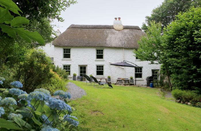 The Moors House is a 16th century self catering holiday long house situated in the character village of South Zeal in the northern part of the Dartmoor National Park, Devon